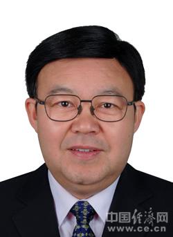 田大忠,男,汉族,1964年9月生,安徽六安人,1985年6月加入中国共产党,1988年7月参加工作,研究生学历,法学硕士。