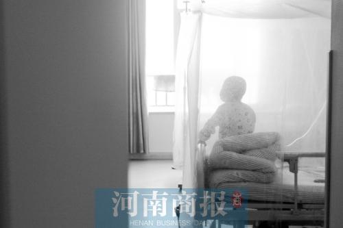 """8岁多正是爱玩的年龄,很长时间,涛涛都是待在病房里,他会问妈妈,""""春天来了吗?"""""""