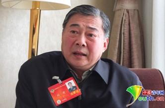 国政协委员、朱德外孙、解放军装备学院副院长刘建。 中国青年网记者张炎良摄