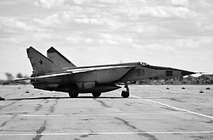 别利亚科夫设计的米格-25战斗机,是世界上第一款最大速度超过3马赫的战斗机。虽然该机技术水平并不高, 但依旧一度令西方为之胆寒。
