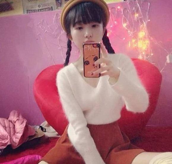 36岁美女嫩照走红 网友封天山童姥组图