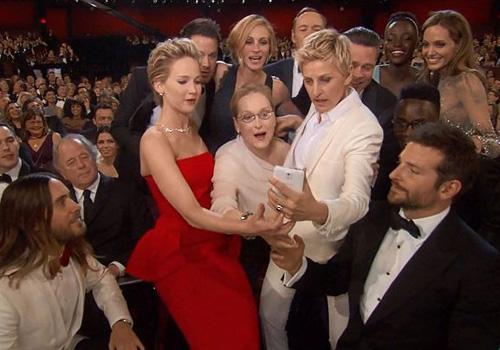主持人艾伦的搞怪也是本届奥斯卡颁奖典礼受欢迎的一大因素