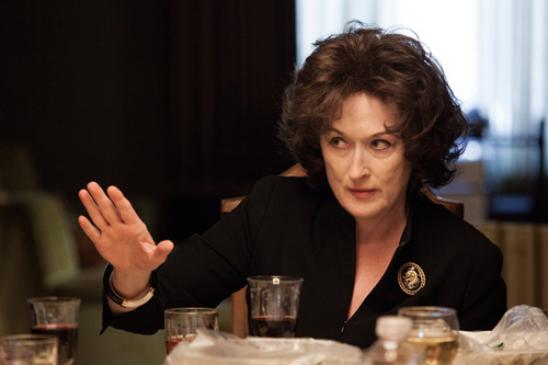 《八月:奥色治郡》里梅姨变身疯妇