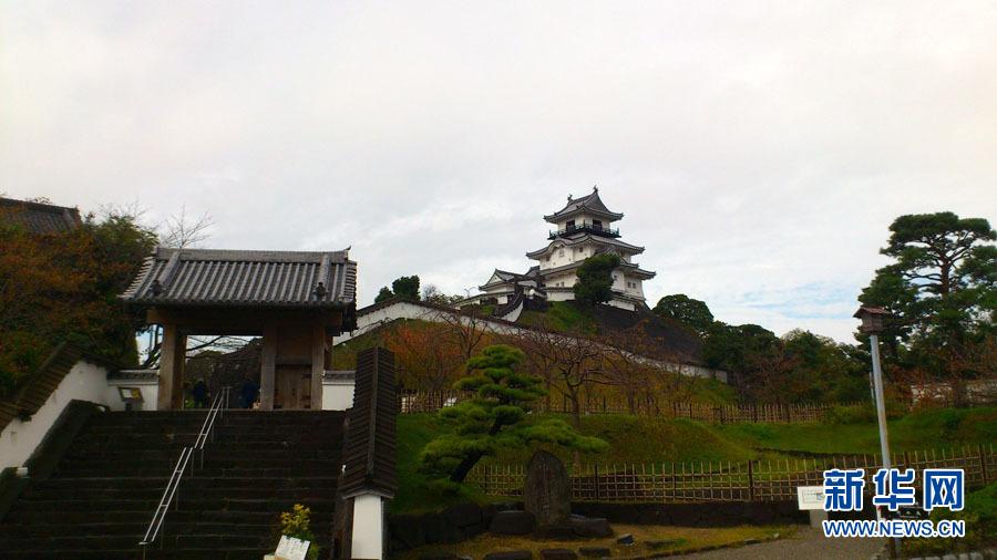 """位于静冈县挂川市的日本最古老的木结构天守阁即城楼""""挂川城""""新华社"""