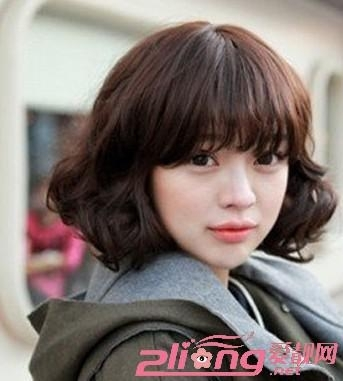 韩式齐刘海短卷发_爱靓网力荐的2014年女生最新短发(组图)-搜狐滚动