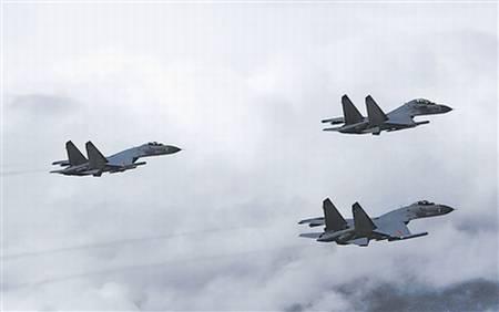 原文配图:成空航空兵某师组织战机进行自主空战训练。刘应华 摄