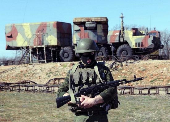 俄军 塞瓦斯托波尔 基地 乌克兰/俄军对克里米亚海军基地开火多名士兵投降叛逃...