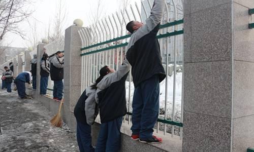 乌鲁木齐市高级中学开展学习高中志愿者活动(试卷山东雷锋图片