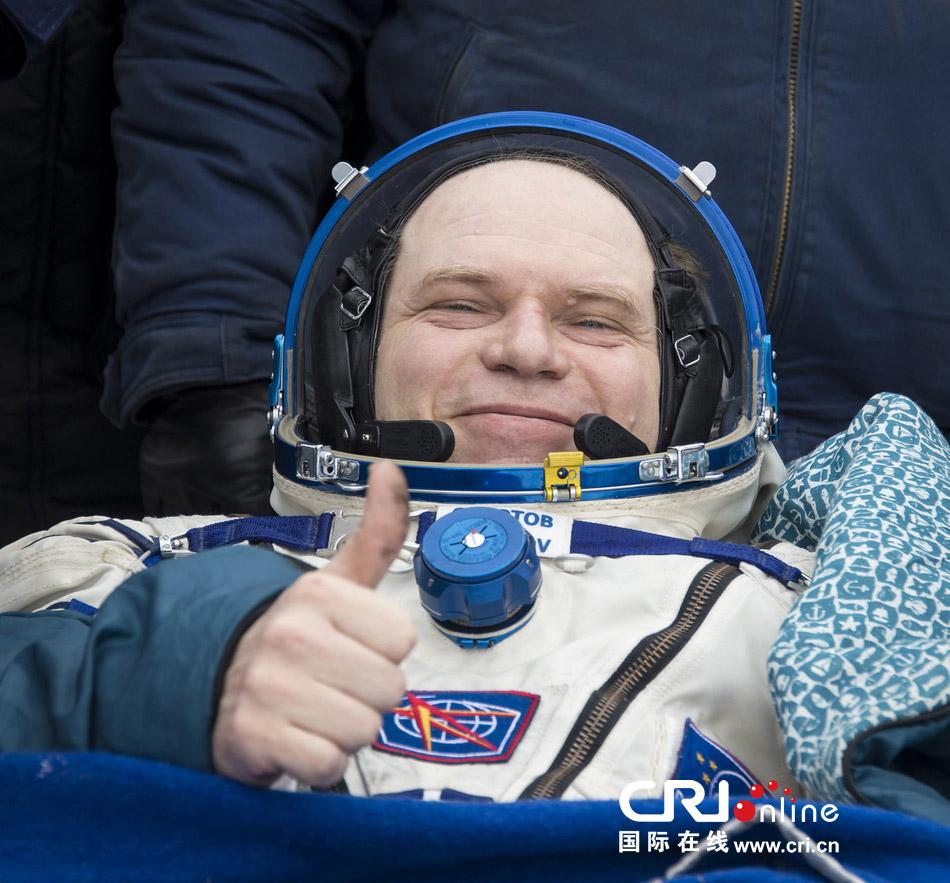 三名美俄宇航员成功返回地表 曾在国际空间站值勤半年(高清组图)