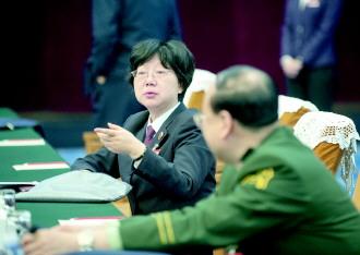 安徽省检察院检察长薛江武代表呼吁 完善行政