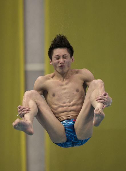 添阴唇小�_图文:跳水北京站男子3米板 林跃表情囧