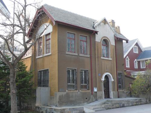 欧式型二层四间别墅