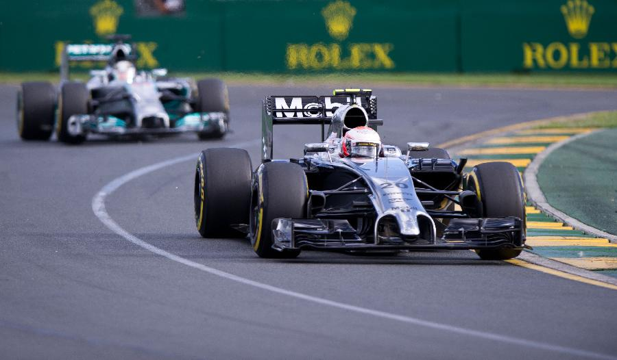 (体育)(7)赛车——红牛车手里卡多F1大奖赛澳大利亚站亚军成绩被取消
