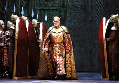 去年,国家大剧院试映了多明戈主演的《纳布科》片段。 王小京 摄