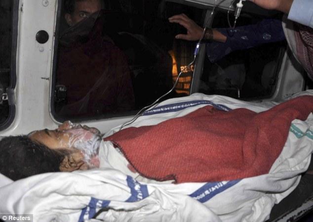 黑人强奸空组_巴基斯坦少女警局前自焚 抗议强奸者被释放(图)
