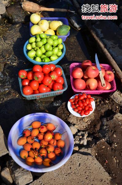 云南盛产各种水果,如果来到云南,各种水果必定不可错过,而且一定要吃当地产的新鲜水果,味道之甘甜,超乎你的想象。