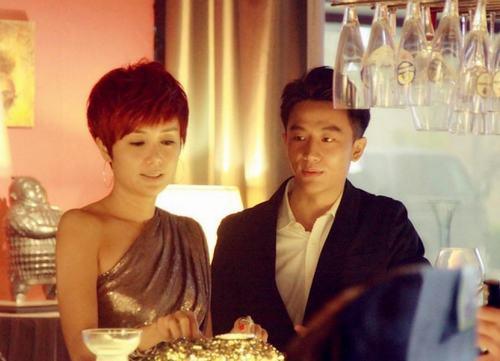 蒋雯丽,在44岁的时节跑到电视剧《女人帮》里,演起了中年风骚女。