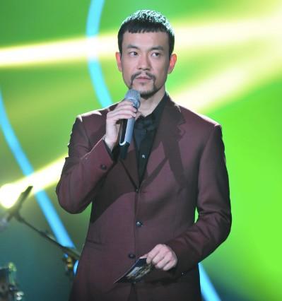 廖凡跨界主持综艺节目《我是歌手》