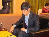 图文:第四届对抗赛第二轮 李志贤比赛中