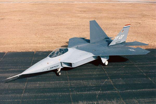 �ychyi��/eyo:eyf�z_原文配图:f-22的原型机yf-22.