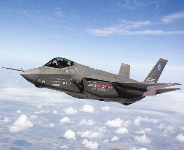 """原文配图:图为F-35""""闪电""""战斗机。"""