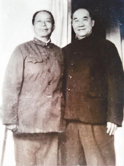 张玉堂(左)与侯宝林