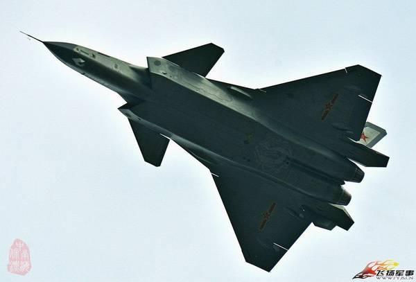 2011号歼-20最新试飞画面。
