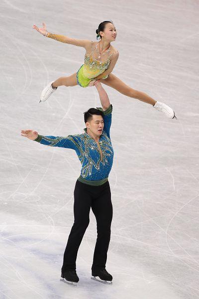 图文:2014花滑世锦赛双人自由滑 彭程张昊托举