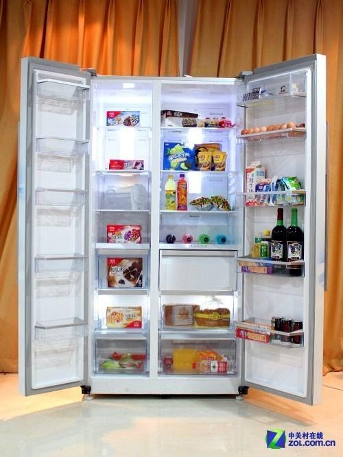 冰箱打开全貌
