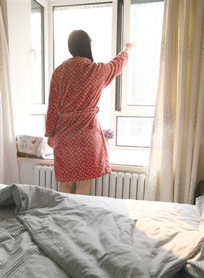 即便是雾霾天,也不能24小时不开窗一直封闭。