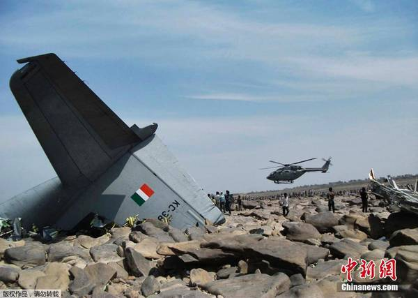一架载有5人的C-130J大力神运输机于28日在印度中央邦城市坠毁。
