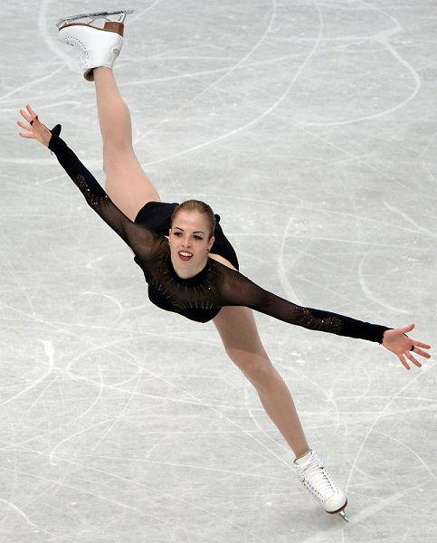 图文:世锦赛女子自由滑 考斯特内尔张开双臂