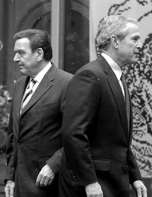 小布什和施罗德背道而驰