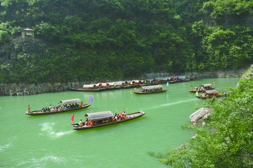 巫山小三峡景区清明节大回馈