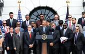 图文:奥巴马接见波士顿红袜队 奥巴马鼓励队员
