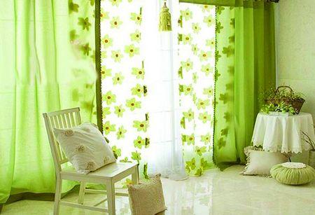 这类窗帘适合在美式简约和英式田园风格的居室内出现.图片
