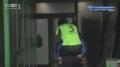 亚冠视频-李在明与郜林拼抢中受伤 被背离球场