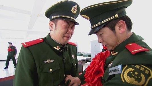 杜海涛久久不愿脱军装