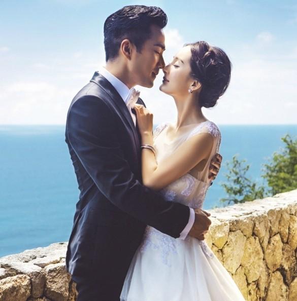 杨幂刘恺威未曝光婚纱照 海边热吻幸福甜蜜 图
