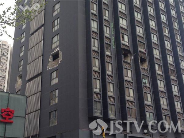 南京木马公寓爆炸_跟踪报道:南京木马公寓爆炸事故现场(组图)-搜狐滚动