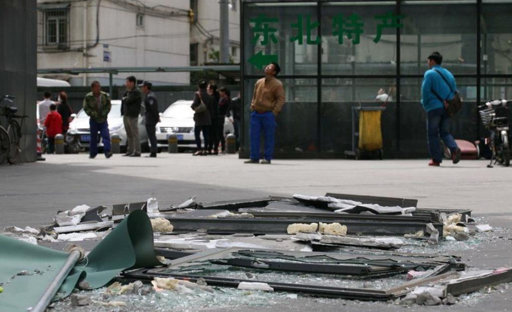 南京木马公寓爆炸_南京一公寓爆炸 一男子被炸下5楼身亡(组图)-搜狐滚动