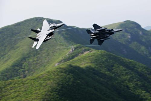 资料图:韩国F-15K战机。