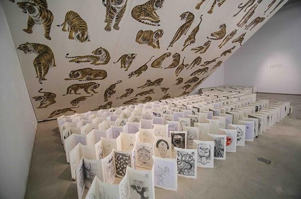 """邬建安 北京/2014年3月29日,北京前波画廊推出了展览""""白猿涅槃:邬建安..."""