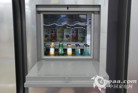 海信BCD-642WVBP/T冰箱吧台