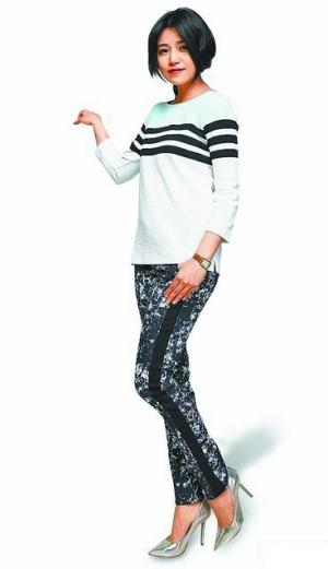 陈妍希从没驾驭过的印花长裤,其实让她很显瘦。