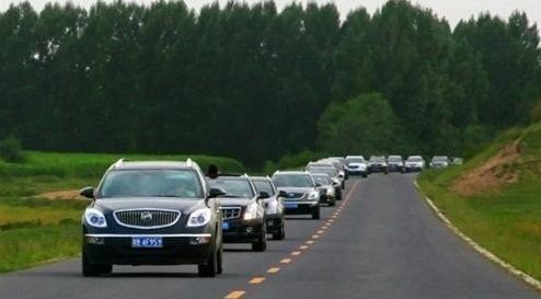 上海 2014-04-11(中国商业电讯)--出游的季节到了,你是否也蠢蠢欲动,准备出发呢?没有车?没关系,车速递租车带你体验一种出行新技能—租车自驾。