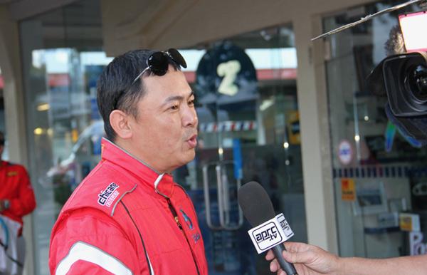 徐俊接受官方电视台采访