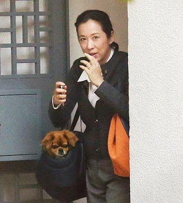 朱玲玲看望儿媳妇郭晶晶