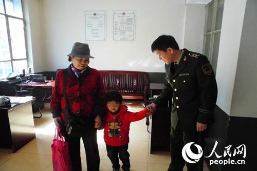 朝鲜族走失小男孩不会汉语 寻亲救助警务微信