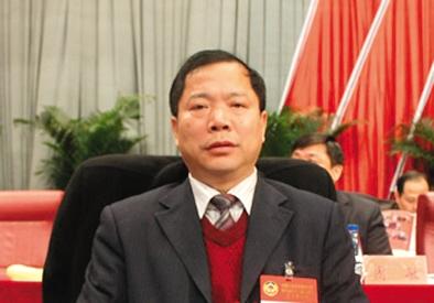 原萍乡市政协主席晏德文。